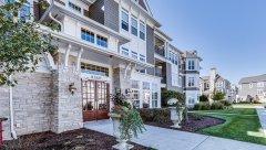 Hamptons-of-Hinsdale-Association-Building-6-10.jpg